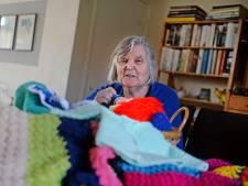 Beginnen met breien? Jet (72) uit Enschede weet hoe: 'Maak een granny square'
