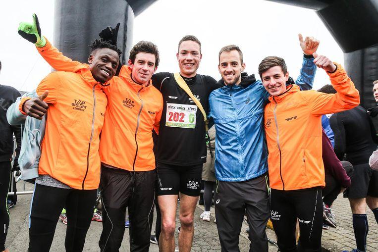 De lopers van het Olympic Running Team konden het record net niet breken.
