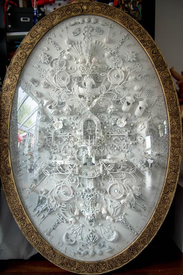 Een van de medaillons van kunstenares Carina Wagenaar.