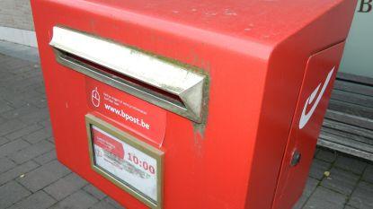 Twee rode brievenbussen verdwijnen