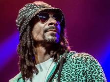 Snoop Dogg brengt eerbetoon aan Tupac