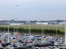 Schiphol wil je auto voor je parkeren