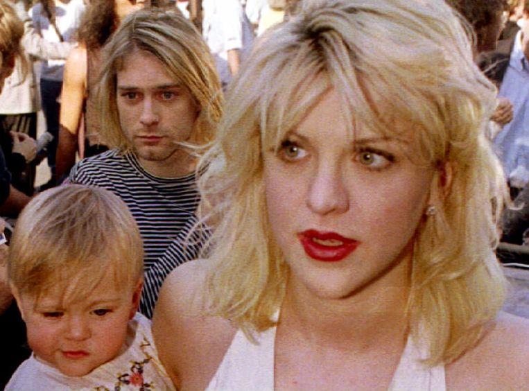 Kurt Cobain en Courtney Love met dochtertje Frances Bean in 1992.