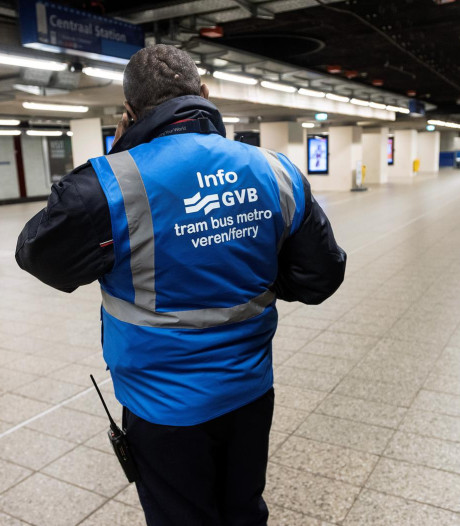 Metro's en trams Amsterdam plat door mobilofoonstoring