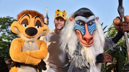 Loïc Nottet zingt 'Can You Feel The Love Tonight' met fans en artiesten van Disneyland Paris