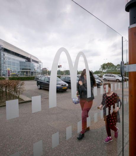 Arnhemse transferia werken niet, automobilist parkeert gewoon in of (gratis) dicht bij de stad