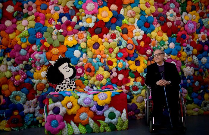 Mafalda et Quino, lors d'une exposition à Buenos Aires, en 2014