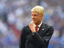 'Arsène Wenger tekent bij Arsenal twee jaar bij'