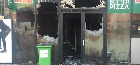 Pizzeria in Noord volledig uitgebrand
