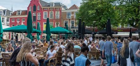 Vijftig horeca-ondernemers in Utrecht willen hun terras uitbreiden