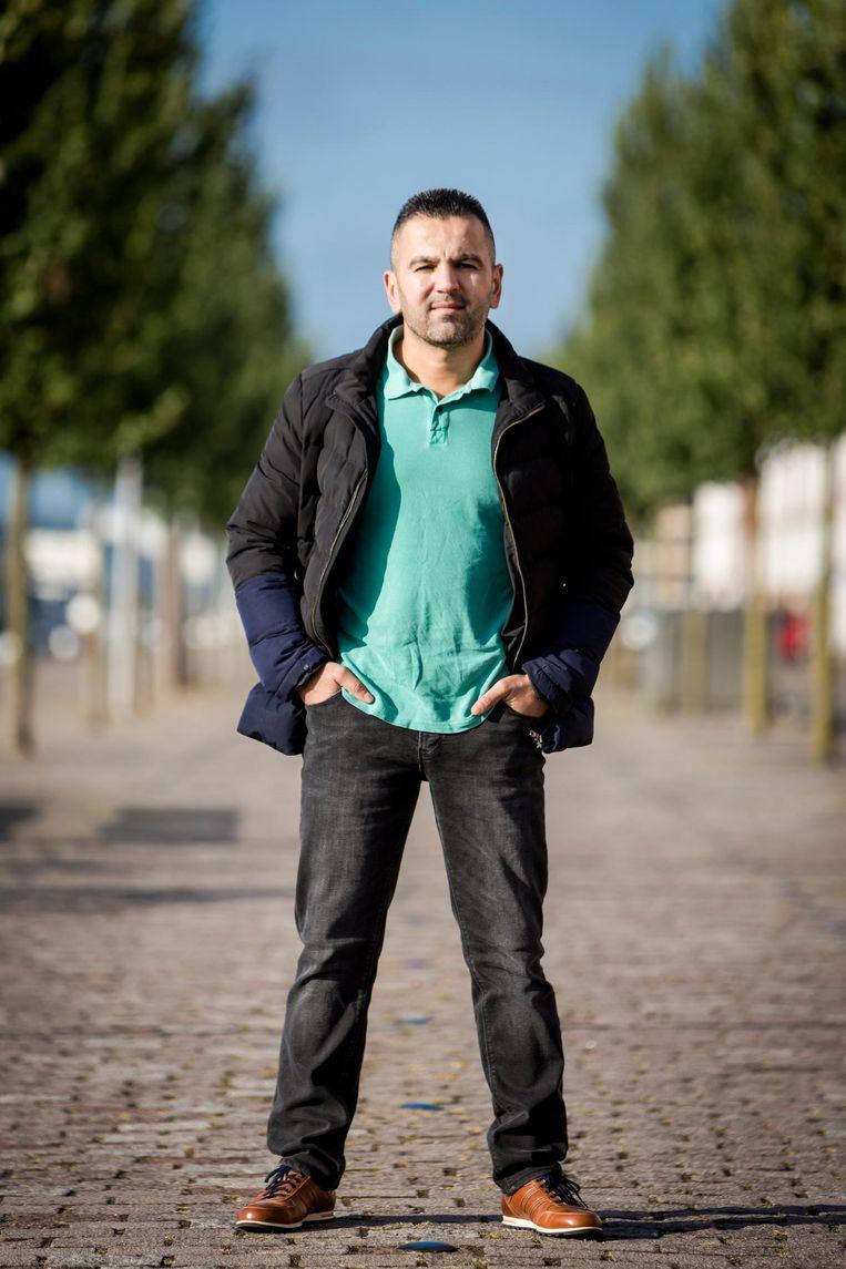 Murat Eren, autoverhuurder: 'Sommige ondernemers gingen kapot aan de donaties. Mijn baas had drie vestigingen, nu heeft hij nog maar één winkel over'. Beeld null