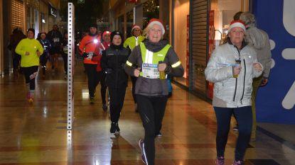 Meer dan 1.000 deelnemers voor City Nightrun ondanks barslechte weer