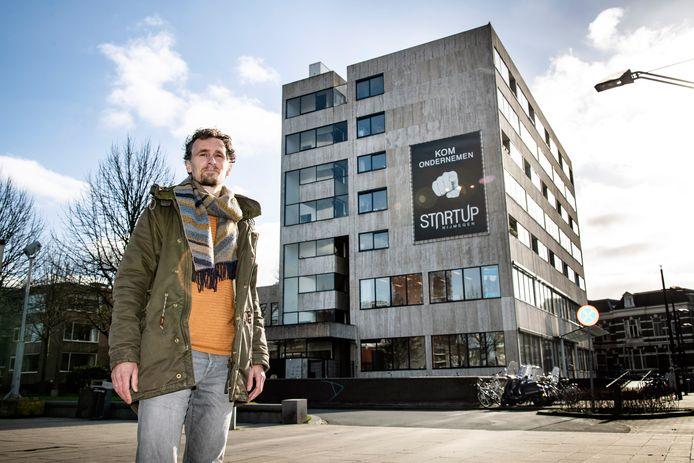 PR dgfoto Gelderlander Nijmegen: architect Pepijn Sluiter voor kantoorgebouw 'StartUp' Stationsplein 26