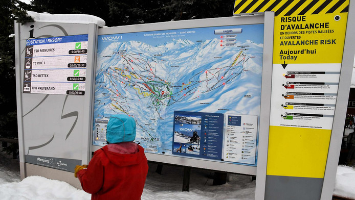 Les Hautes-Alpes (massif du Queyras et du Thabor) et les Alpes-maritimes (massif du Mercantour), également touchées par de fortes chutes de neige débordant d'Italie, ont été placées en vigilance orange.