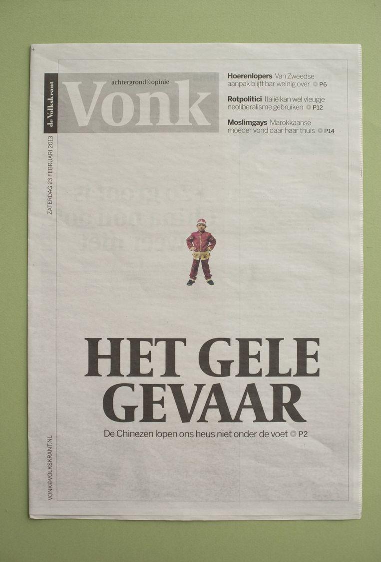 De cover van Vonk met een verwijzing naar een verhaal over 'het gele gevaar' (ofwel: de opkomst van de Chinezen). Beeld Vonk