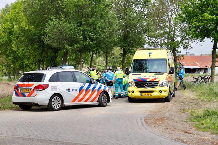 Ambulance en politie rukten uit om hulp te verlenen.