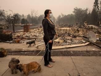 Minstens 26 doden en tientallen vermisten bij bosbranden in westen van de VS, maar verwachte weersomslag biedt hoop