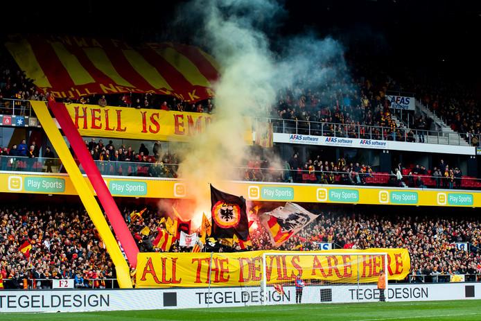 Het stadion van KV Mechelen was uitverkocht voor de beslissingswedstrijd tegen Beerschot-Wilrijk.