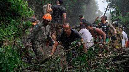 """Zeker 10 doden door """"abnormaal"""" noodweer in Rio de Janeiro"""
