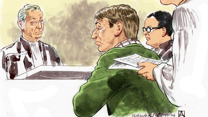 Rechtbanktekening van Willem Holleeder (M) met zijn advocaten in september tijdens de 13e pro-forma zitting in de rechtbank van Amsterdam.