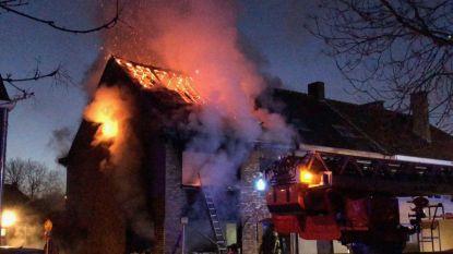Wie deed huis hoofdinspecteur in vlammen opgaan?