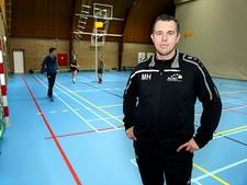 Hoofdtrainer Mark den Hartog doet iets terug voor 'zijn' ACKC
