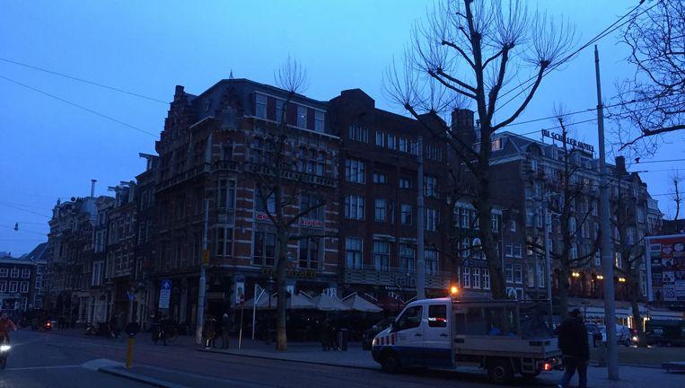 Geen licht op het Rembrandtplein. Beeld Lorianne van Gelder