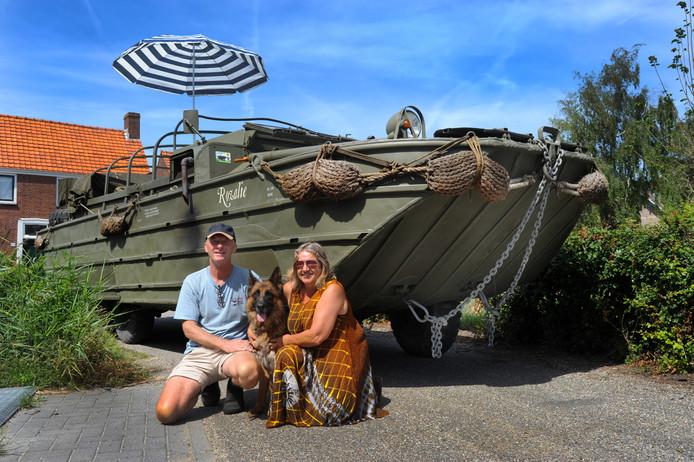 Alex en Lydia Dybala op vakantie naar Engeland met hun DUKW.