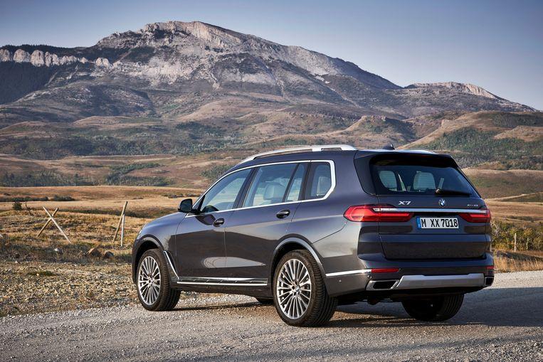 De nieuwe BMW X7 is maar liefst 5 meter lang.