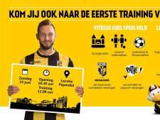 Vitesse toont nieuwe trainingskledij bij eerste training