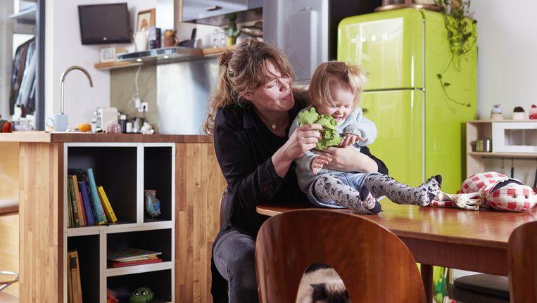 Angela Kuperus met dochter Nico in 2015 Beeld Erik Smits