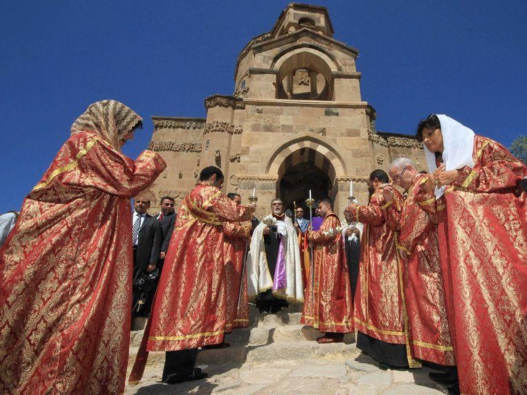 September 2011: Armeense priesters op het eiland Akdamar. Beeld epa