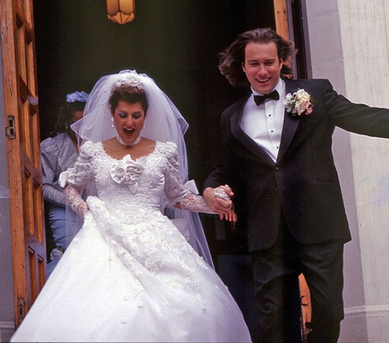 My Big Fat Greek Wedding met Nia Vardalos (inks) en John Corbett. Beeld