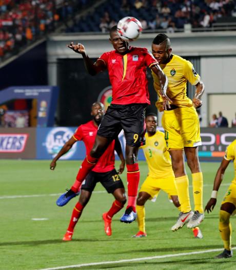 Oeganda blijft op de been tegen Zimbabwe