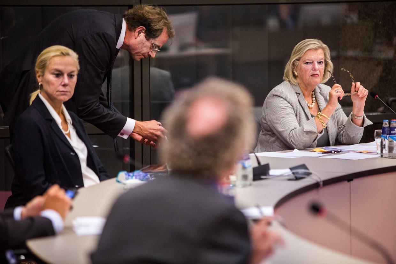 Debat over het plan van het kabinet om honderd vluchtelingen uit het afgebrande Griekse opvangkamp Moria op te nemen. Rechts: staatssecretaris Ankie Broekers-Knol. Beeld Arie Kievit