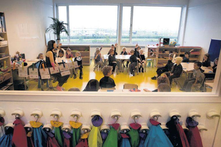 Montessorischool Steigereiland op IJburg werd bijna geheel wit, convenant of niet. Foto Floris Lok Beeld