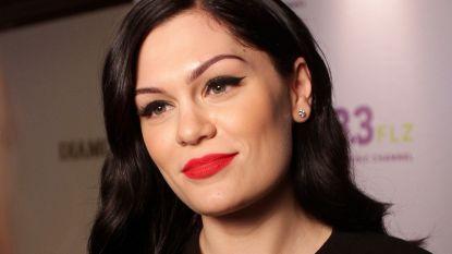 """Jessie J doet emotionele bekentenis op het podium: """"Ik kan geen kinderen krijgen"""""""