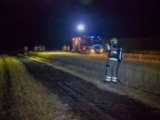 Brand bij weiland in Dieren, politie vermoedt brandstichting