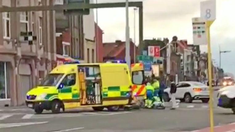 De vrouw werd gewond overgebracht naar het ziekenhuis.