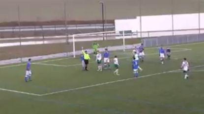 Mooi lesje in fair play tijdens Spaanse jeugdwedstrijd... voor de scheidsrechter