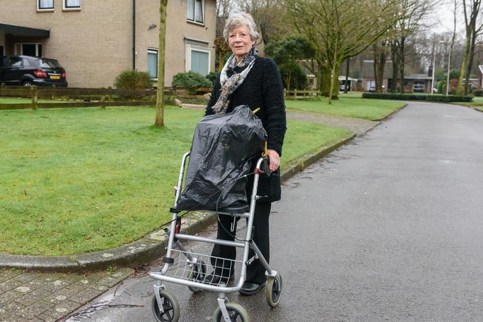 Voor ouderen en gehandicapten is het wegbrengen van afval niet goed geregeld, vindt de PvdA.