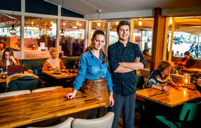 Daphne Bruil en Fabian van Dijk, souschef van restaurant Belvedère in Gouda.