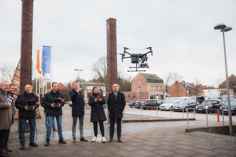 Politie CARMA stelt hun plan voor inzake de nieuwe drones.