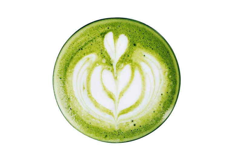 Matcha latte Beeld Getty Images/iStockphoto