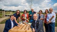 """Turnhout lokt picknickers: ruim 100 bankjes erbij en mand vol lekkers van lokale horecazaken. """"Mooie zomer maken we zelf"""""""