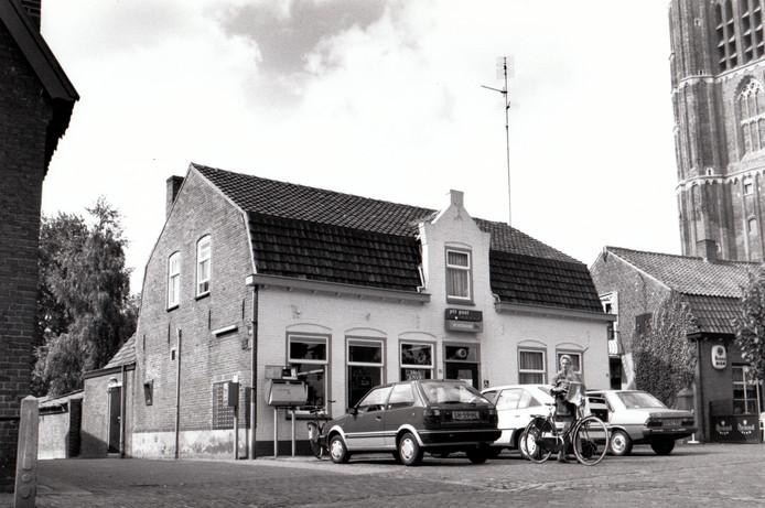 Het oude postkantoor op de Markt in Leende, 1989.