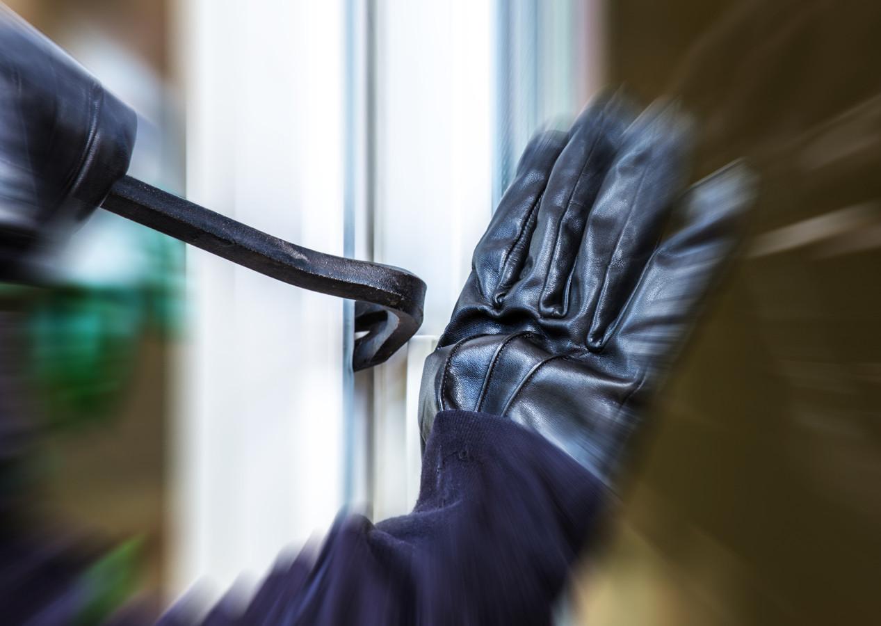 burglar Burglary inbraak inbreker woning-inbraak stock koevoet