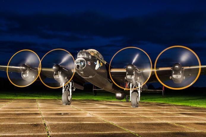 Just Jane, een Britse bommenwerper die nu nog alleen kan rijden, niet vliegen.