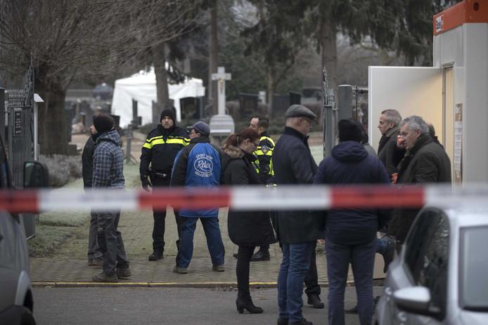 Les enquêteurs ont reçu une information les menant à la tombe d'un homme qui n'est pas lié au dossier.
