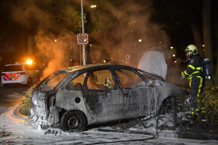 Auto vader Steven Brunswijk vliegt in brand in Tilburg